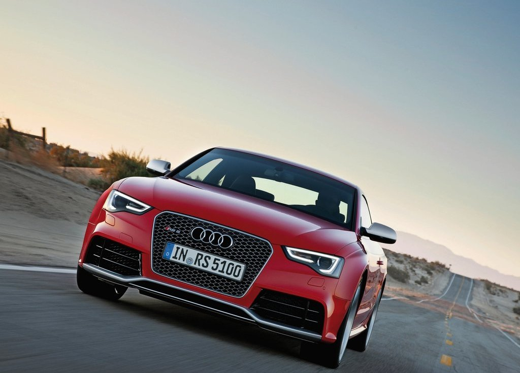 2012 Audi RS5 Front (Photo 6 of 21)