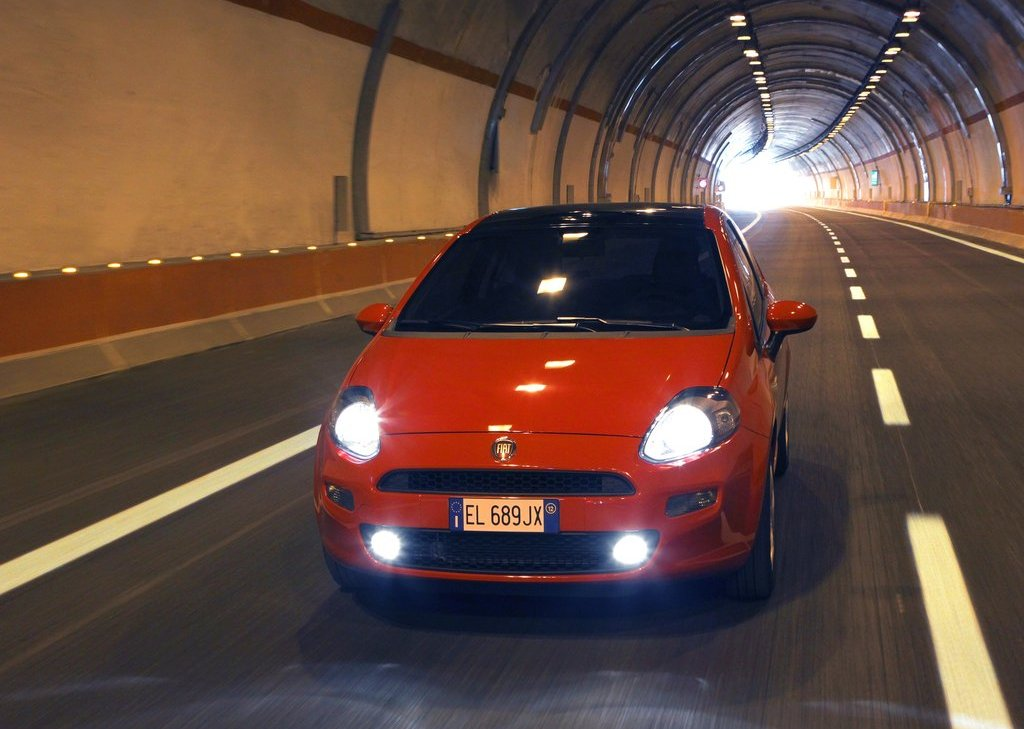 2012 Fiat Punto (View 6 of 21)