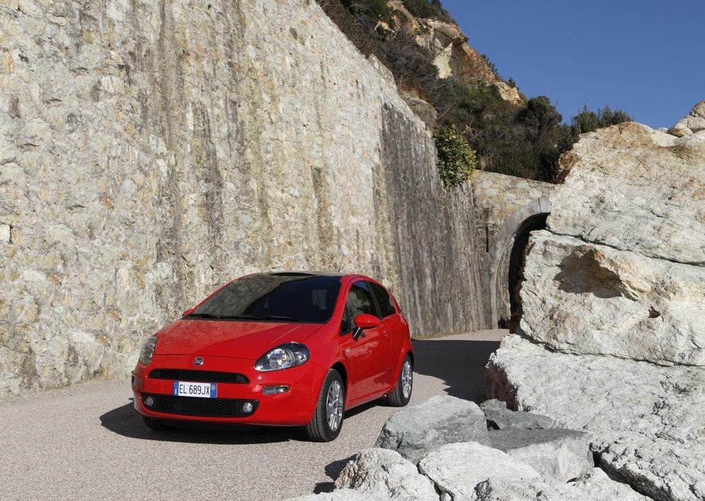2012 Fiat Punto (View 7 of 21)