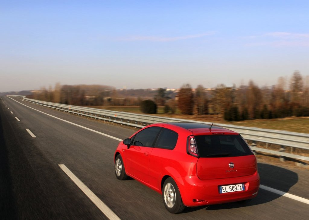 2012 Fiat Punto Rear Angle (Photo 15 of 21)
