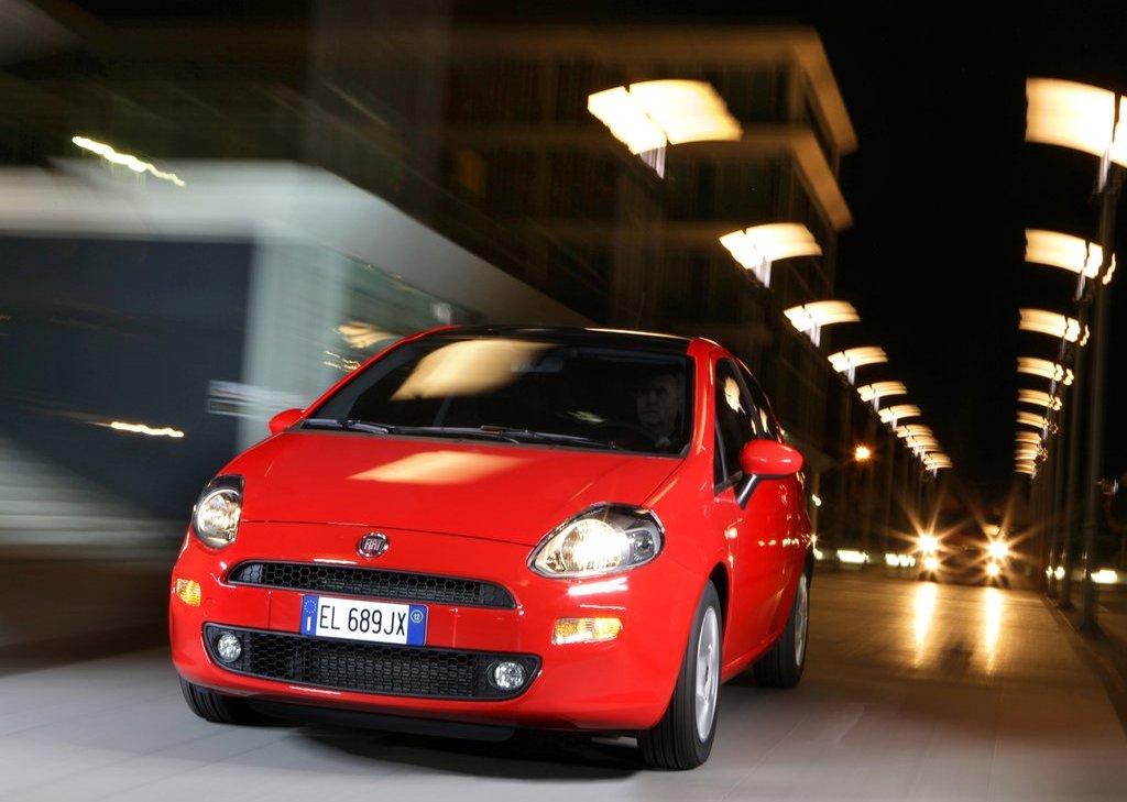 2012 Fiat Punto (Photo 1 of 21)