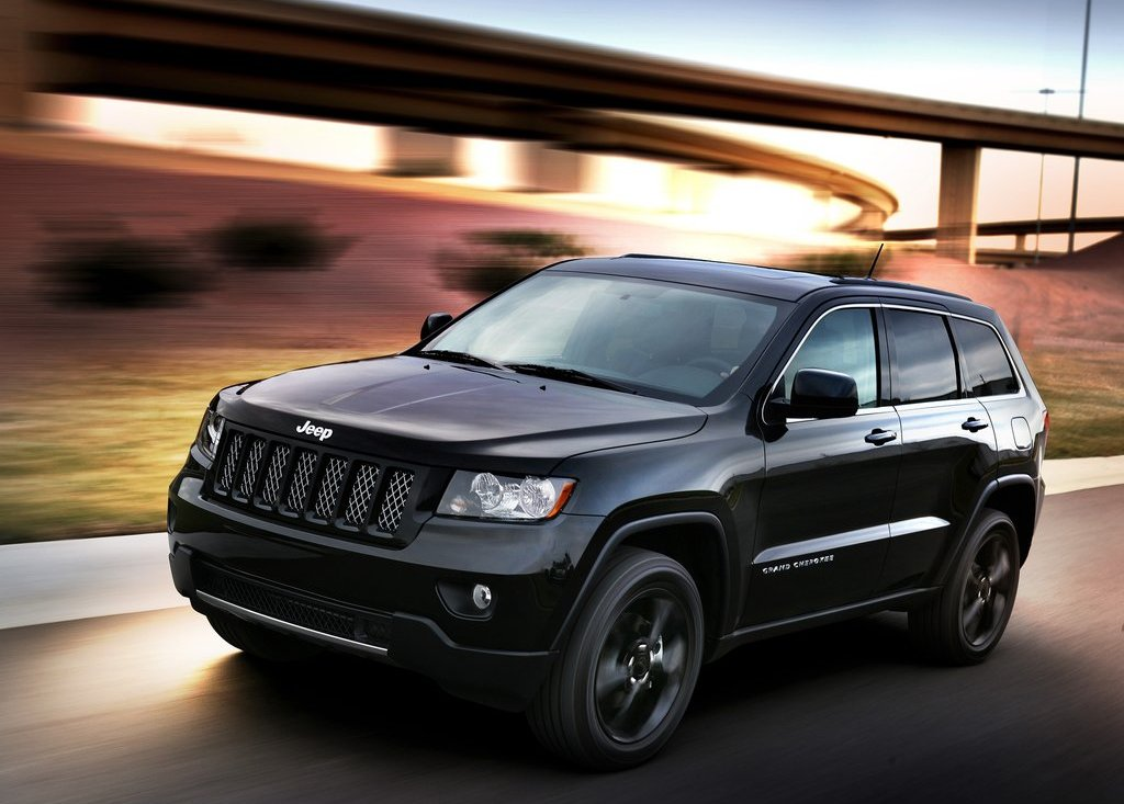 Featured Image of 2012 Jeep Grand Cherokee Review