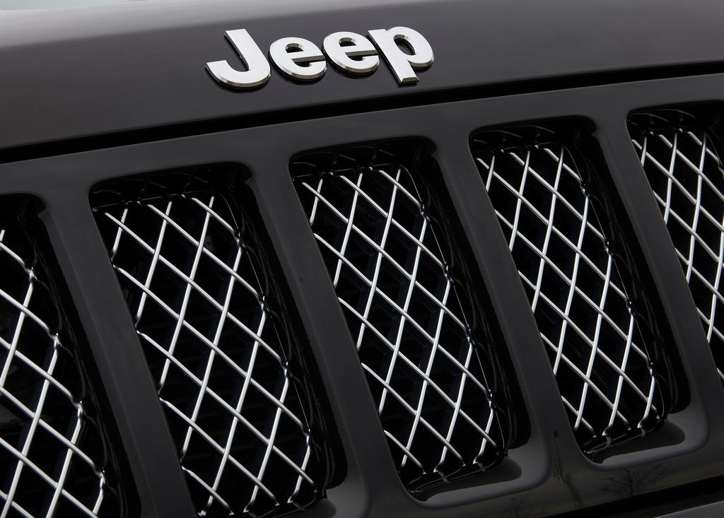 2012 Jeep Grand Cherokee Grill (Photo 9 of 11)