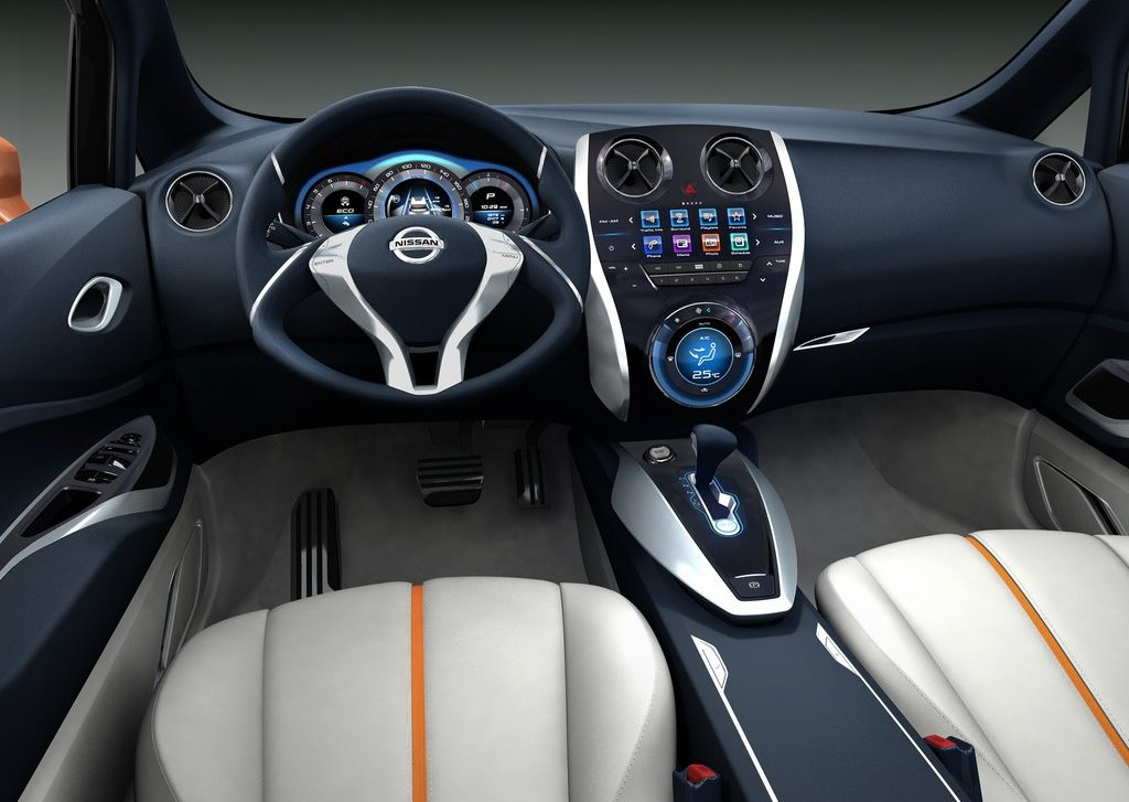 2012 Nissan Invitation Interior (Photo 4 of 7)