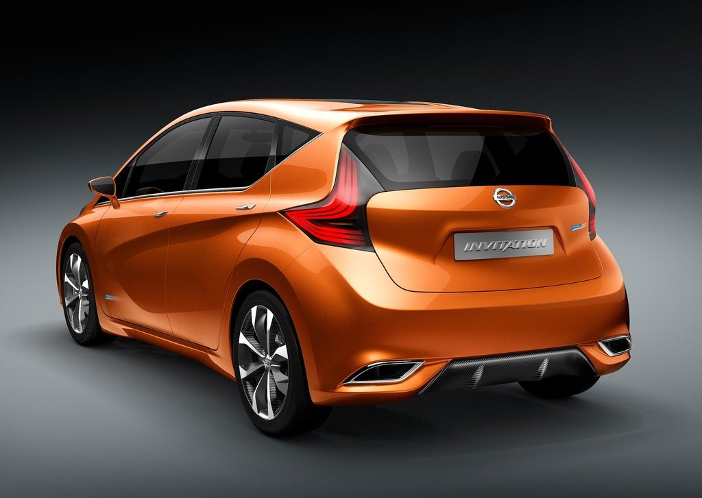 2012 Nissan Invitation Rear (Photo 5 of 7)