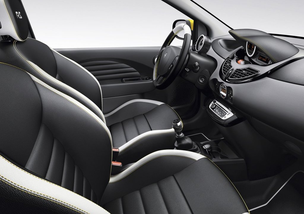 2012 Renault Twingo RS Interior (Photo 3 of 6)