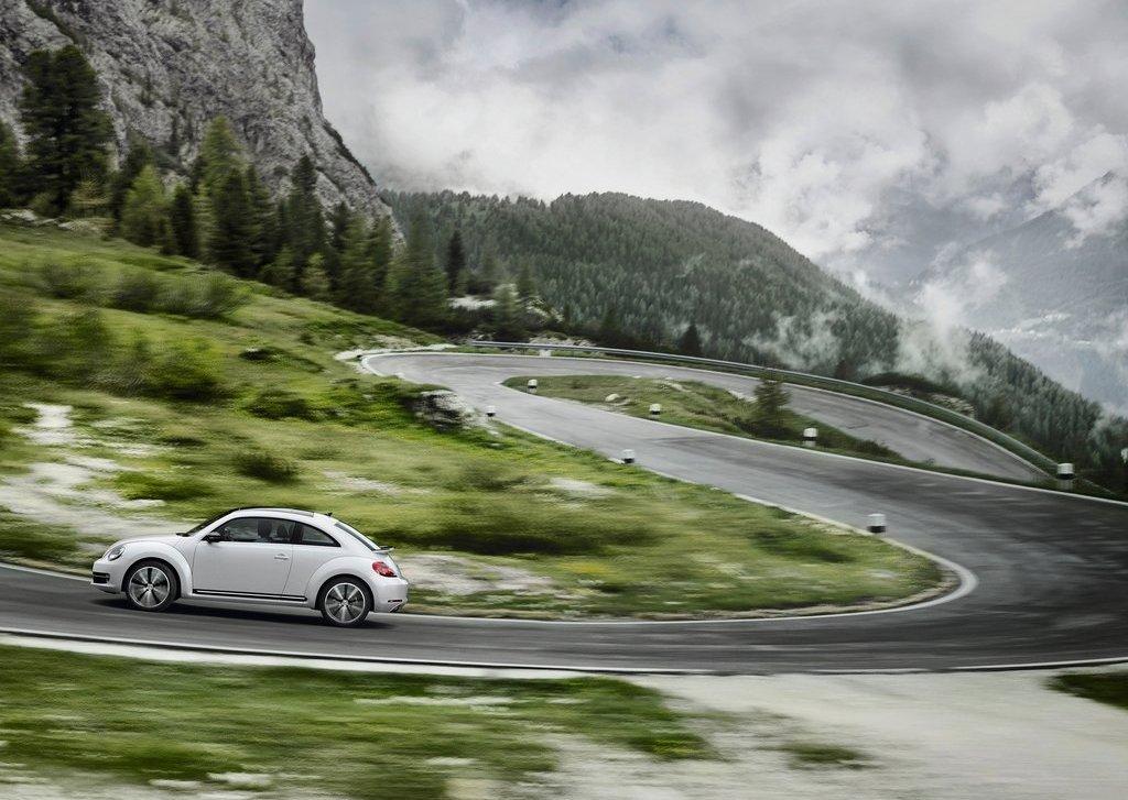 2012 Volkswagen Beetle (View 4 of 27)