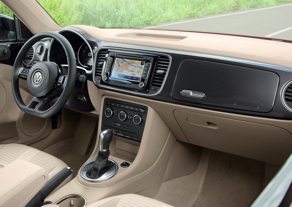 2012 Volkswagen Beetle Interior (View 11 of 27)