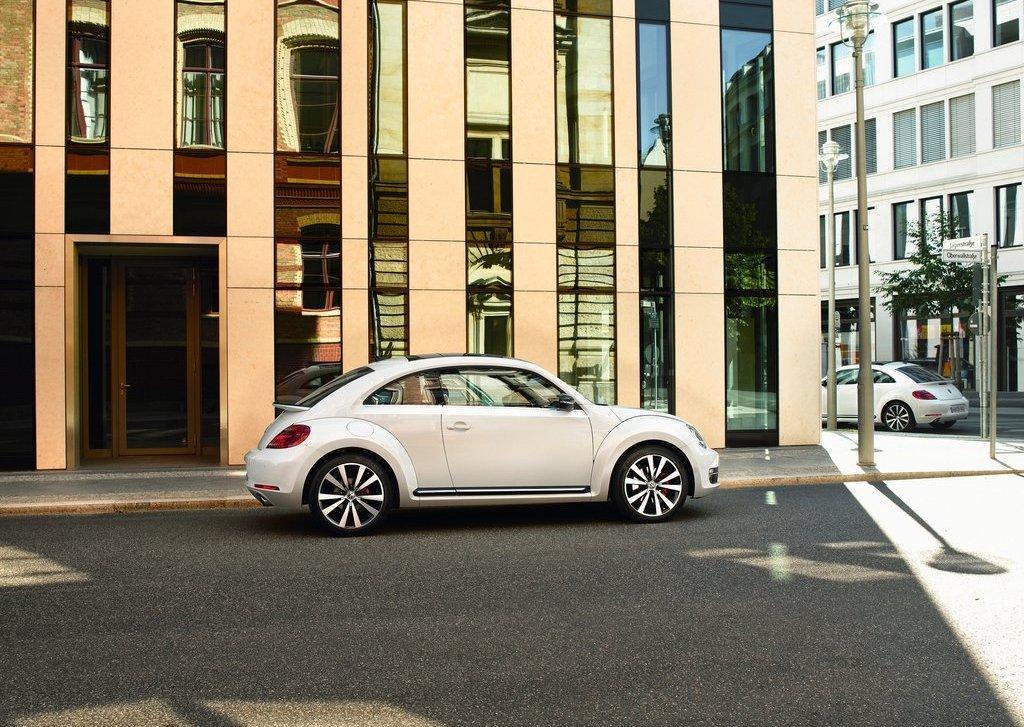 2012 Volkswagen Beetle Side (View 22 of 27)