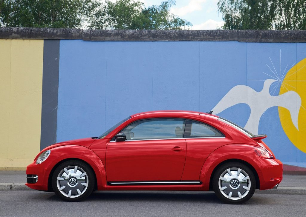 2012 Volkswagen Beetle Side (View 23 of 27)
