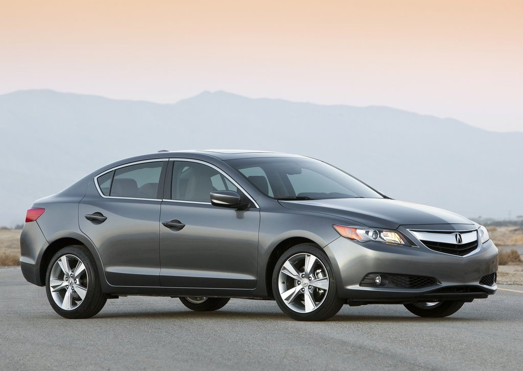 2013 Acura ILX (View 1 of 23)