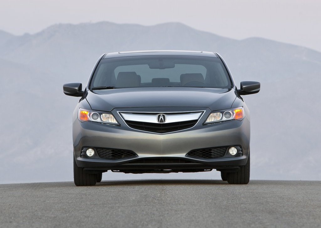 2013 Acura ILX Front (View 7 of 23)