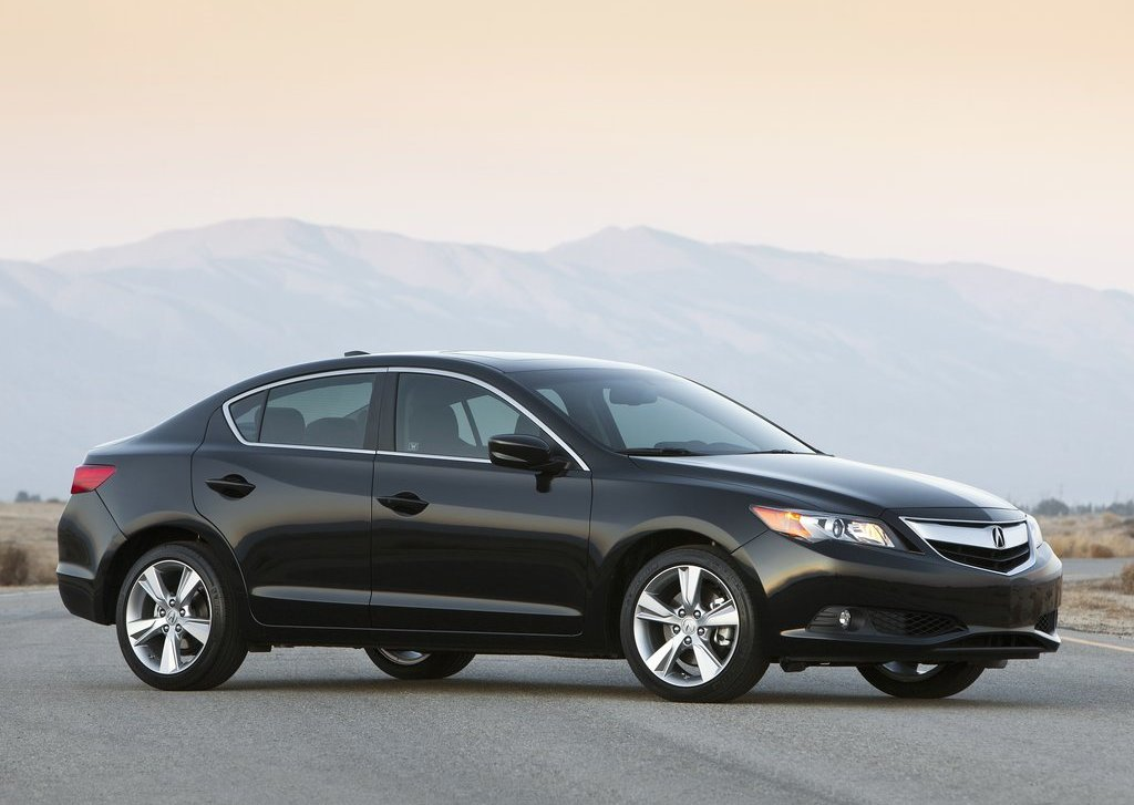 Featured Image of 2013 Acura ILX Review