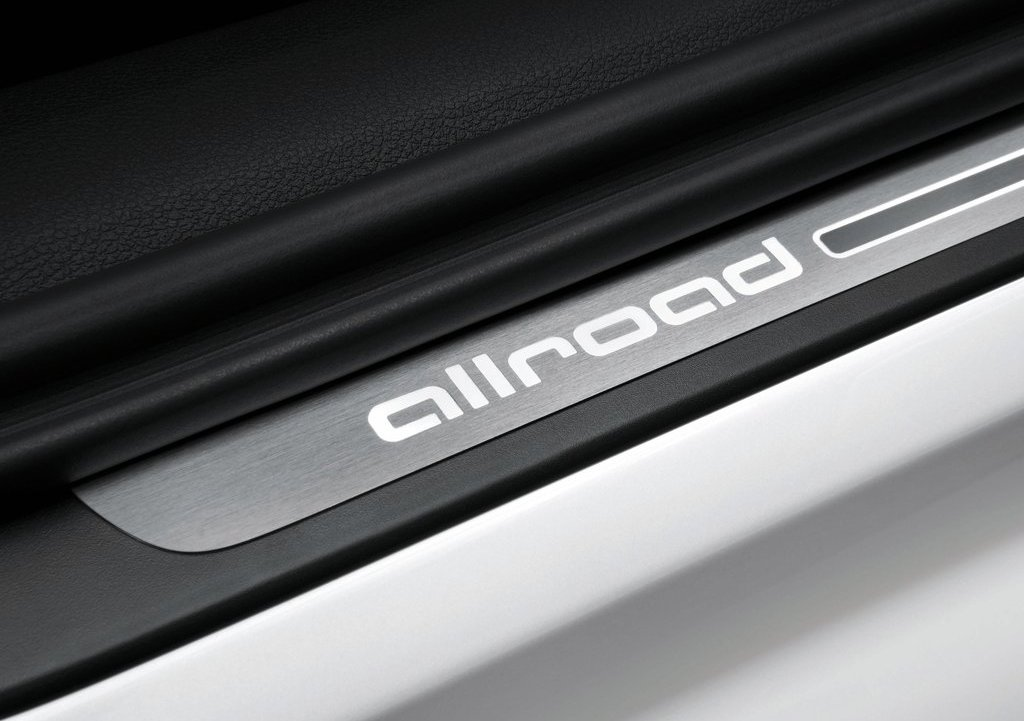 2013 Audi A6 Allroad Quattro Emblem (Photo 7 of 25)
