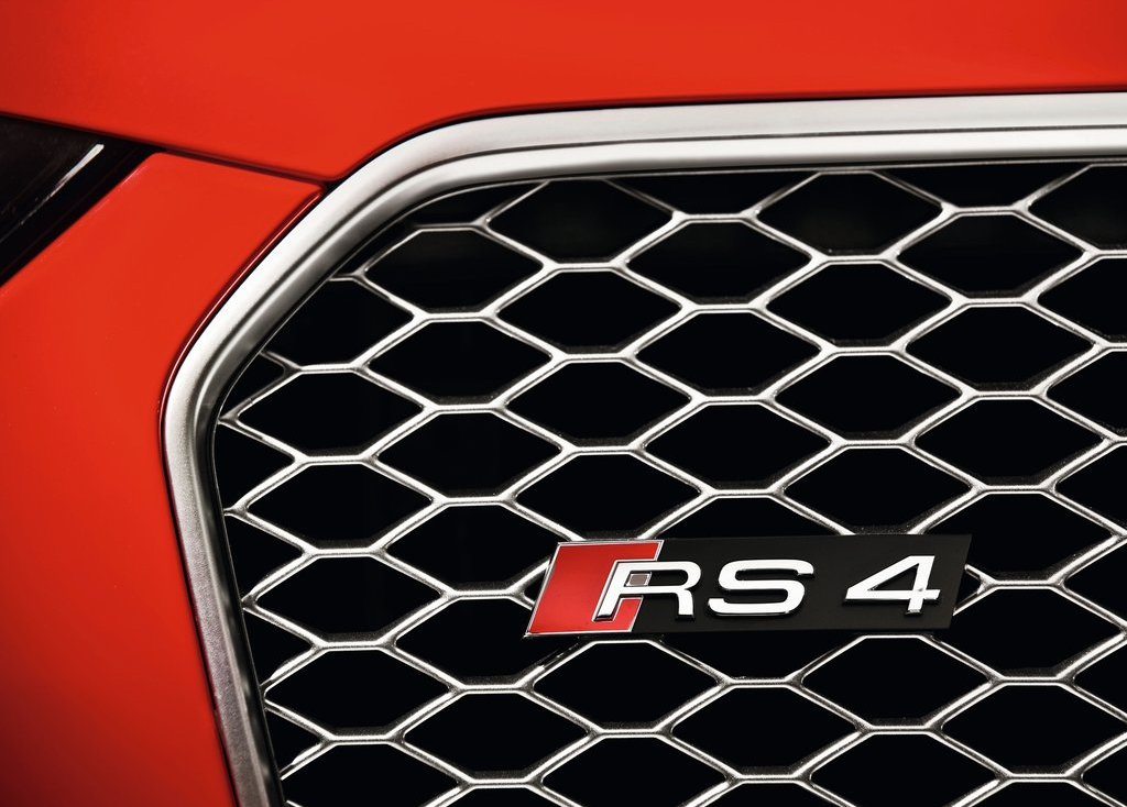 2013 Audi RS4 Avant Emblem (Photo 2 of 27)
