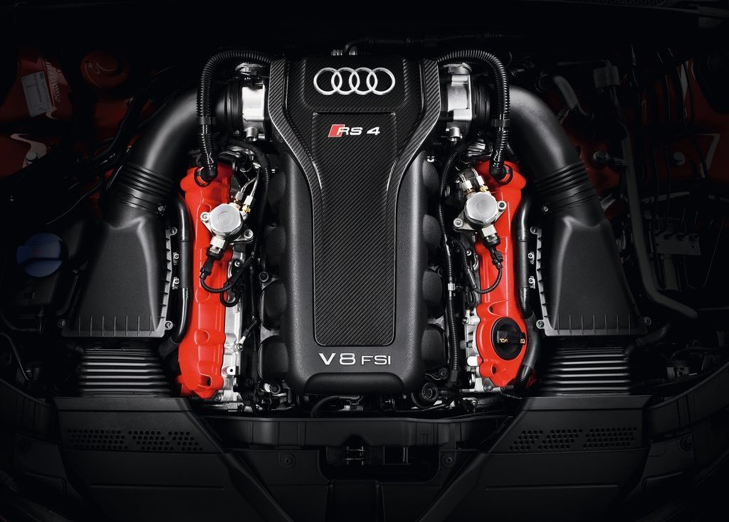 2013 Audi RS4 Avant Engine (Photo 5 of 27)