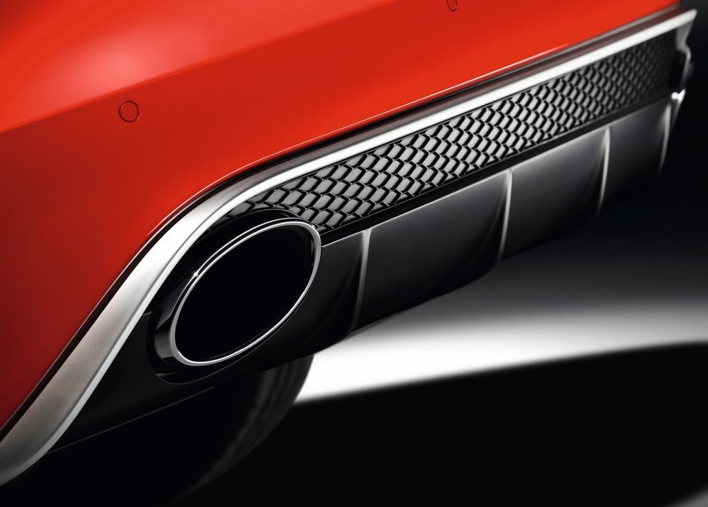 2013 Audi RS4 Avant Exhaust (Photo 6 of 27)