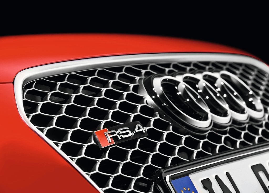 2013 Audi RS4 Avant Grill (Photo 9 of 27)