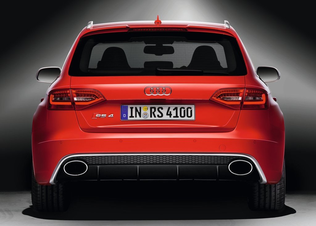2013 Audi RS4 Avant Rear (Photo 17 of 27)