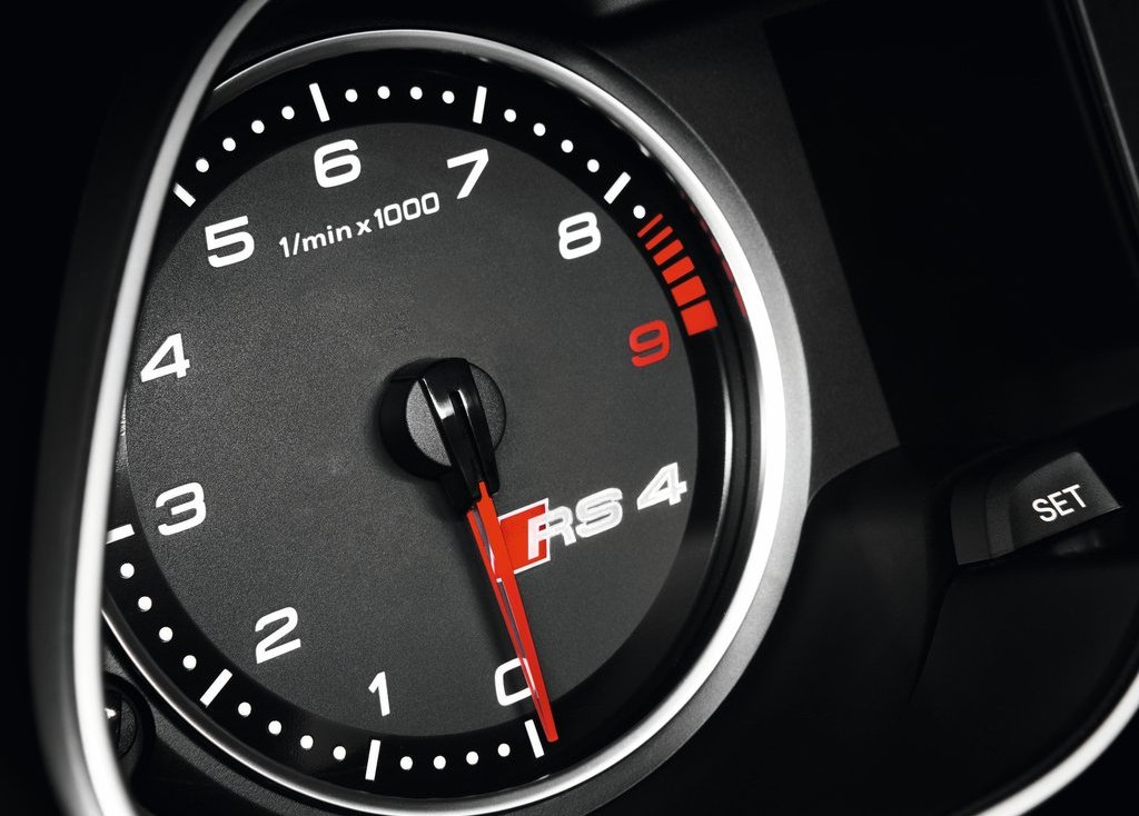 2013 Audi RS4 Avant Speedometer (Photo 23 of 27)