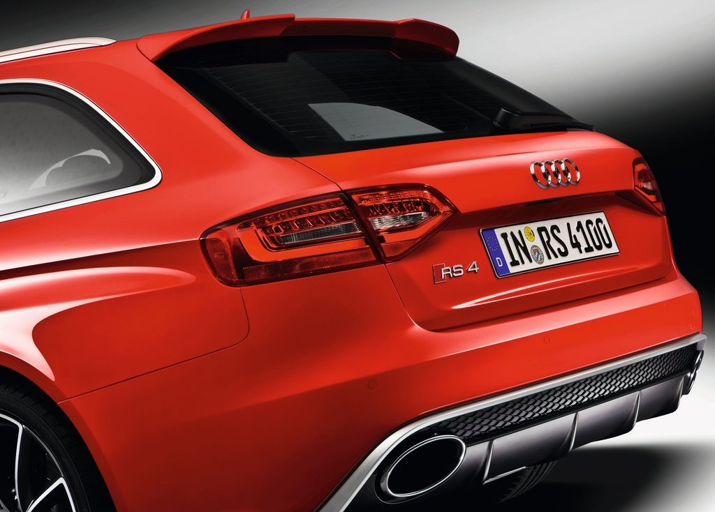 2013 Audi RS4 Avant Tail Lamp (Photo 24 of 27)