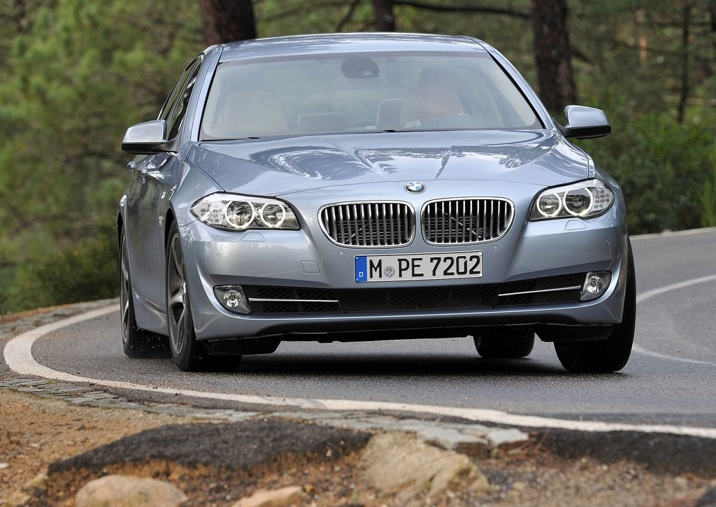 2013 BMW 5 ActiveHybrid (View 2 of 30)