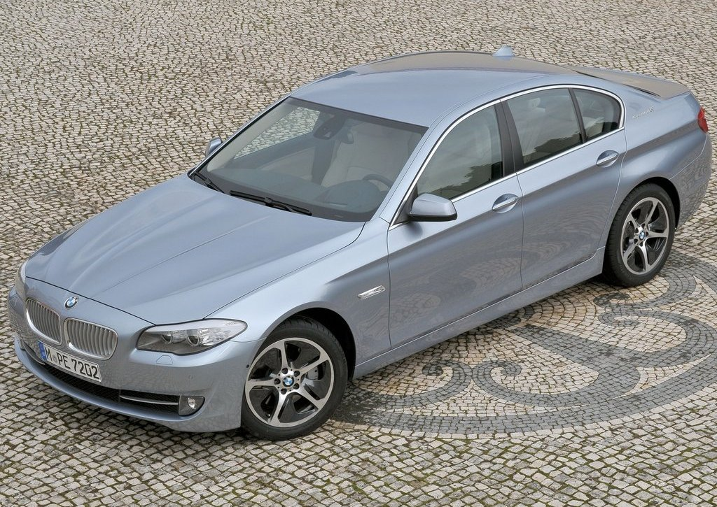 2013 BMW 5 ActiveHybrid (View 3 of 30)