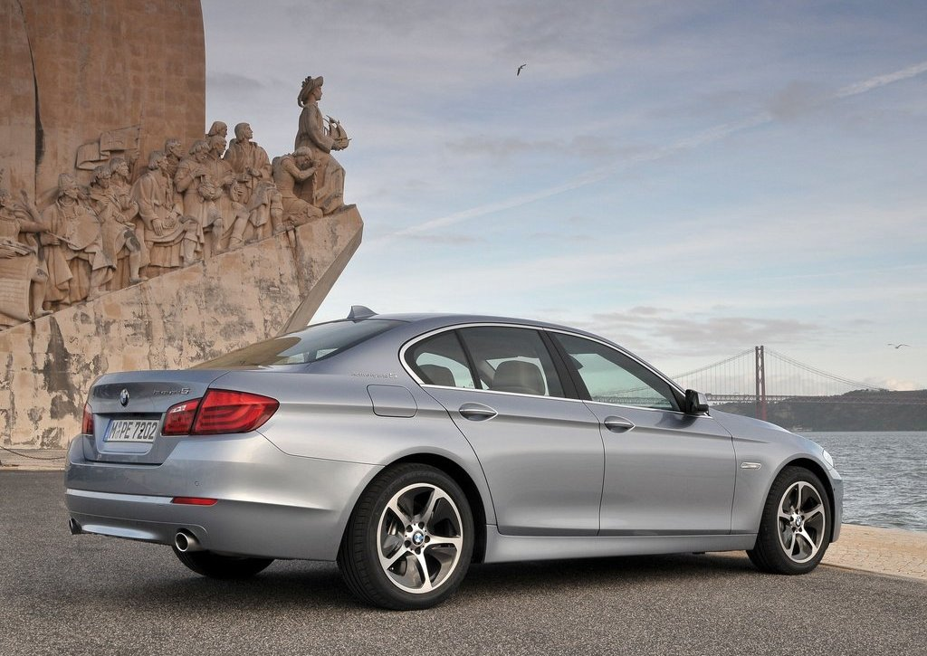 2013 BMW 5 ActiveHybrid (View 5 of 30)