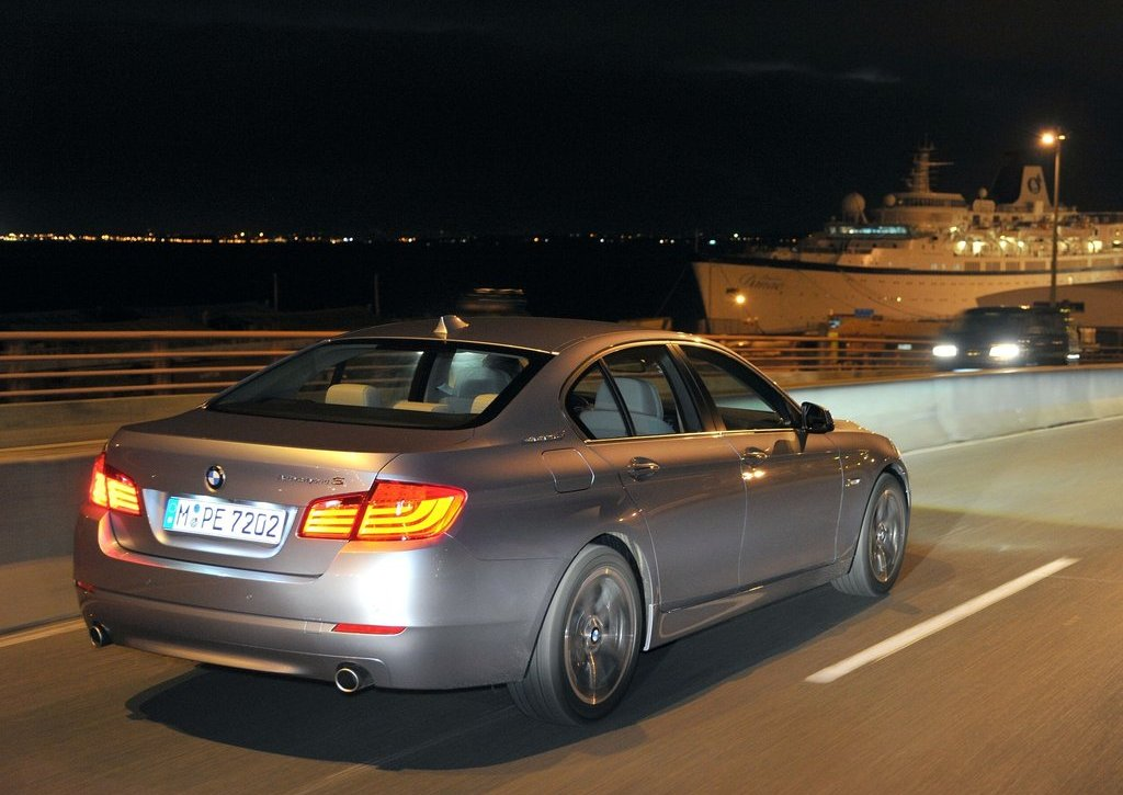 2013 BMW 5 ActiveHybrid  (Photo 7 of 30)