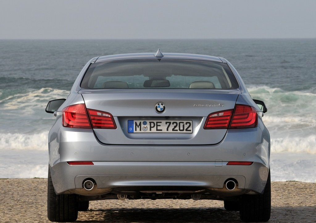 2013 BMW 5 ActiveHybrid Behind (Photo 8 of 30)