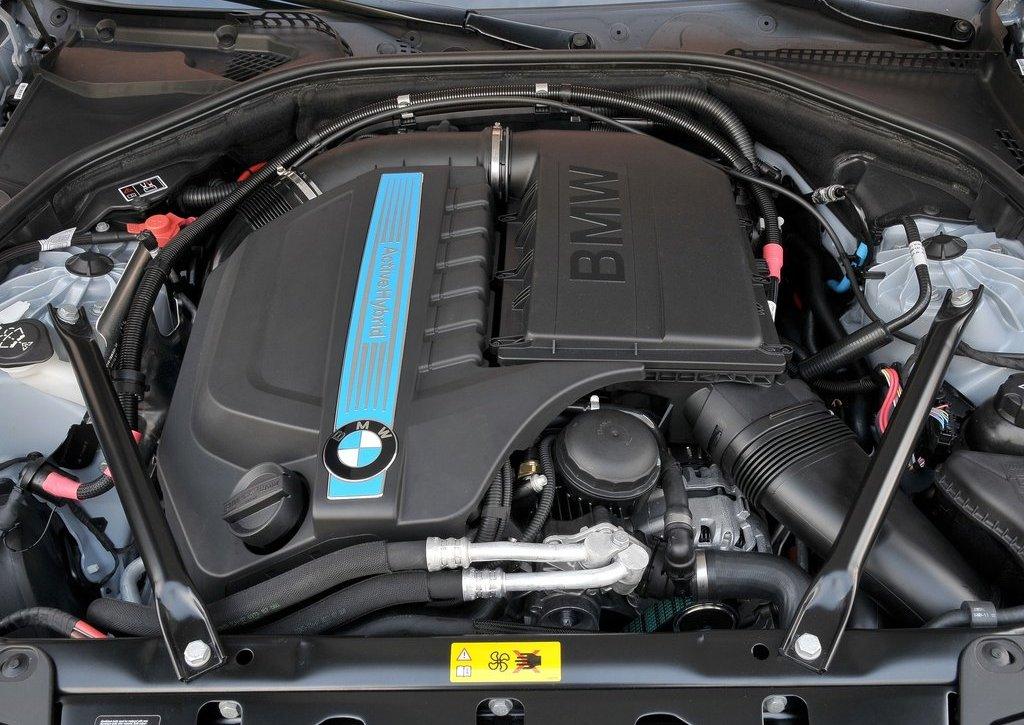 2013 BMW 5 ActiveHybrid Engine (Photo 9 of 30)