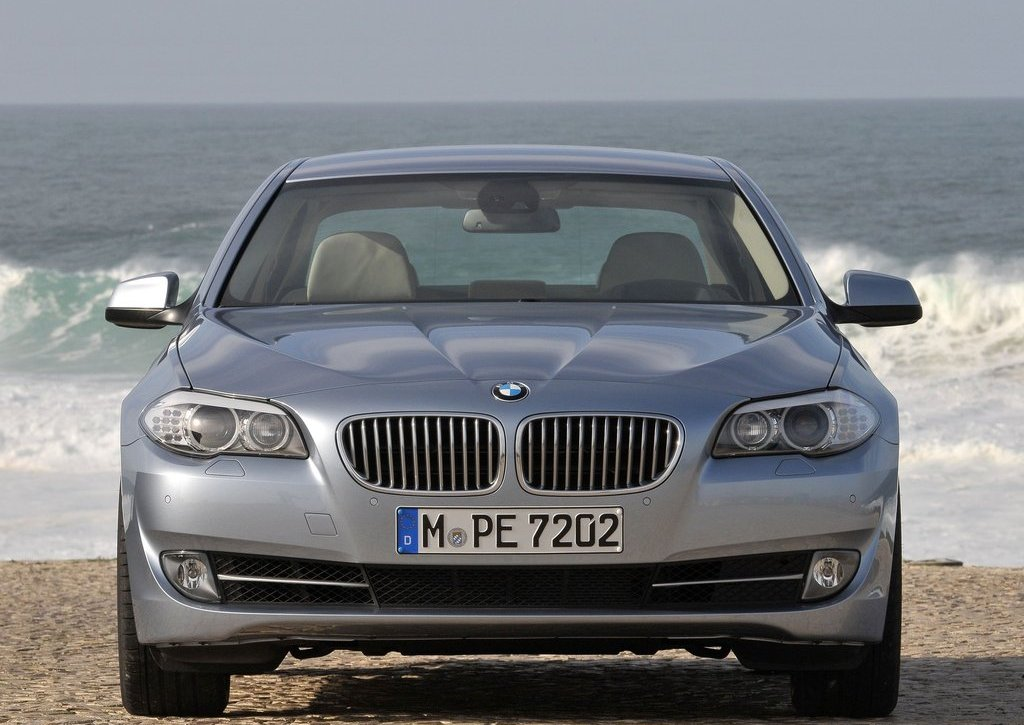 2013 BMW 5 ActiveHybrid Front (Photo 12 of 30)