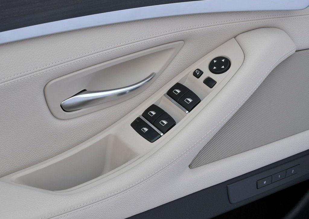 2013 BMW 5 ActiveHybrid Interior (View 16 of 30)