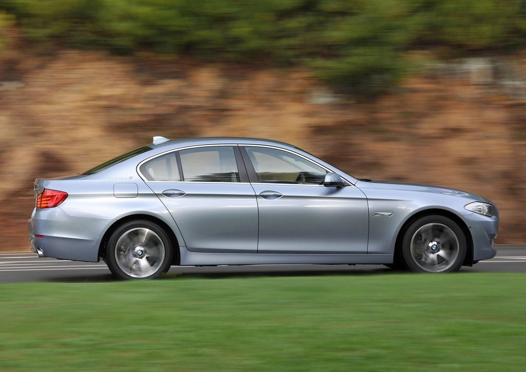 2013 BMW 5 ActiveHybrid Right Side (Photo 23 of 30)