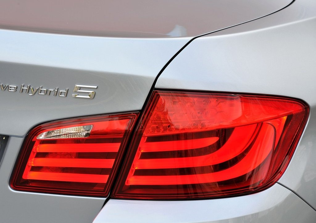2013 BMW 5 ActiveHybrid Tail Lamp (Photo 27 of 30)
