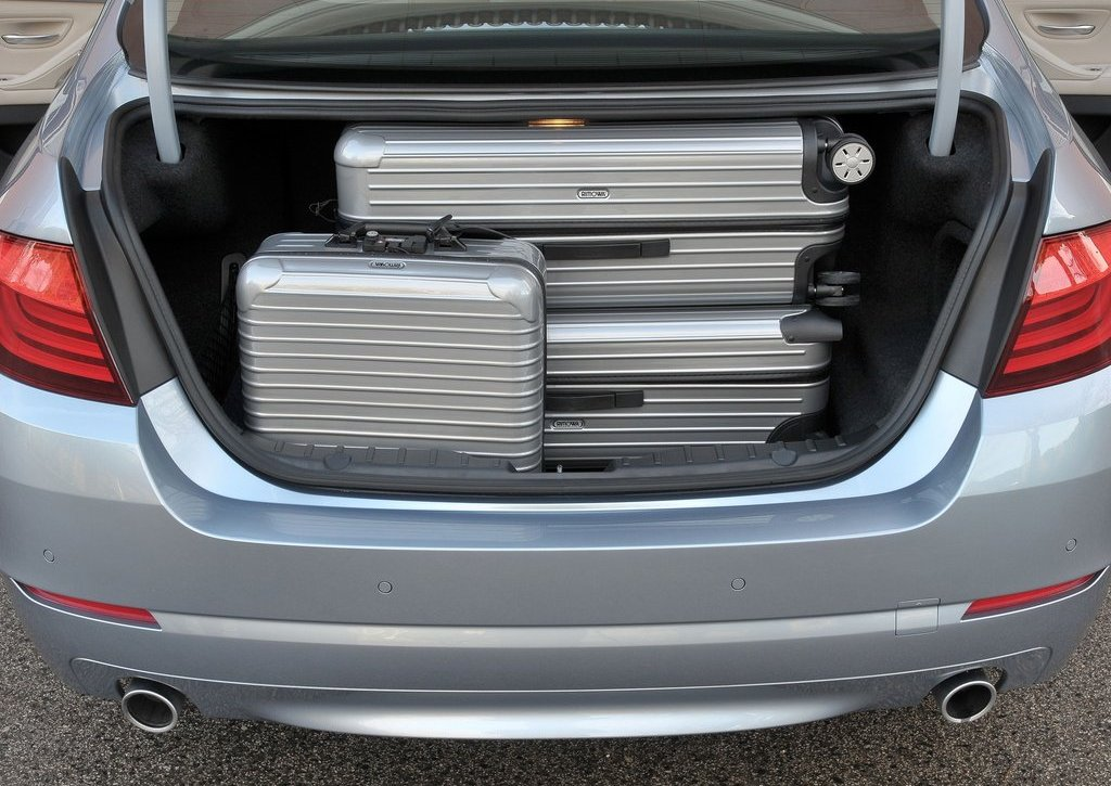 2013 BMW 5 ActiveHybrid Trunk (View 27 of 30)