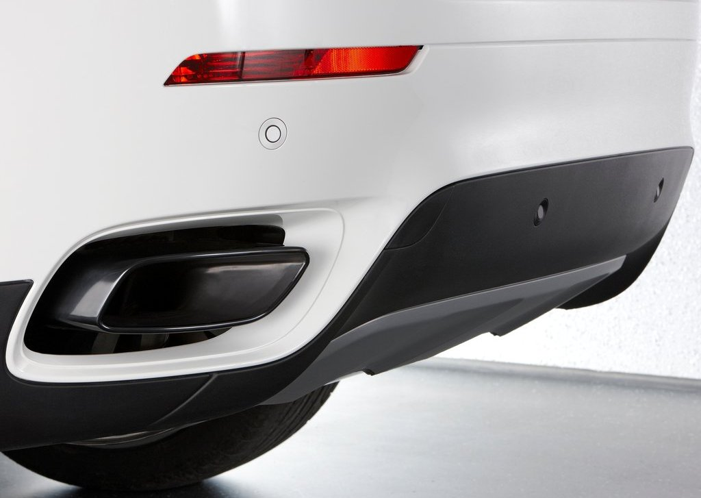 2013 BMW X6 M50d Behind Bumper (Photo 3 of 17)