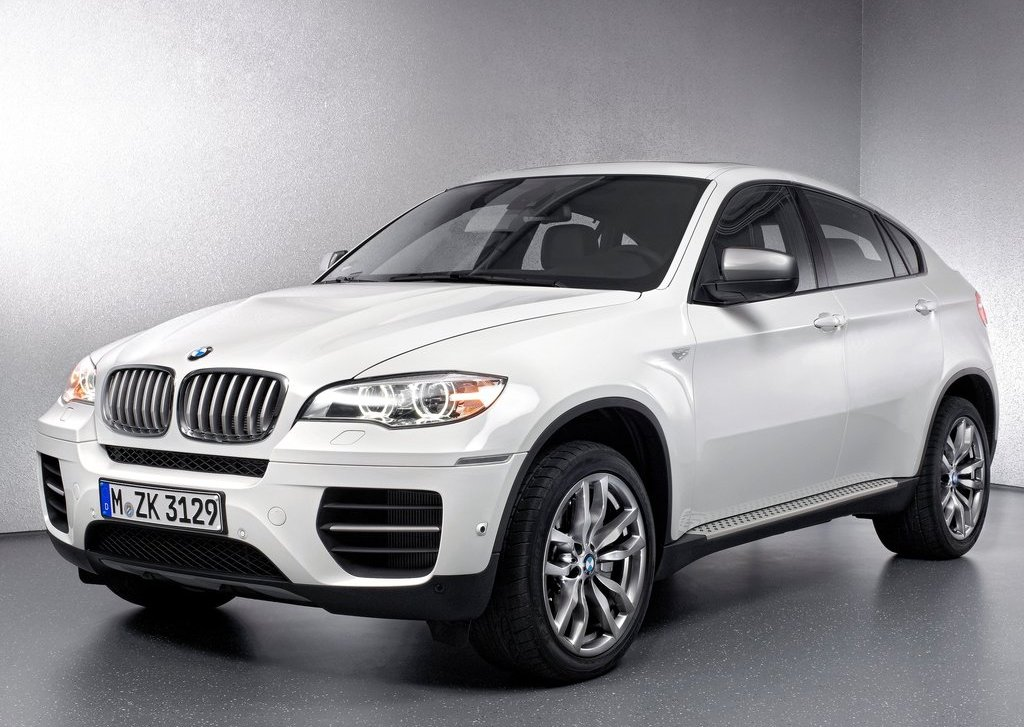 Featured Image of 2013 BMW X6 M50d Review
