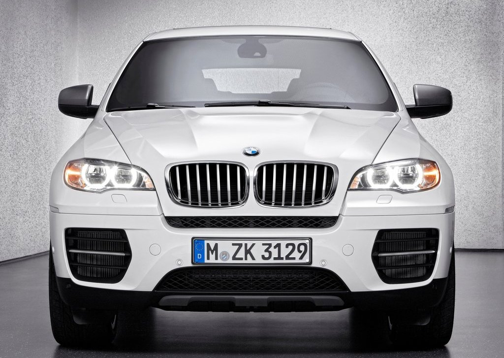 2013 BMW X6 M50d Front (Photo 7 of 17)
