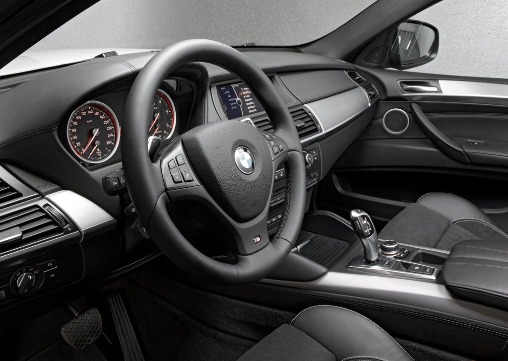 2013 BMW X6 M50d Interior 2 (Photo 7 of 17)