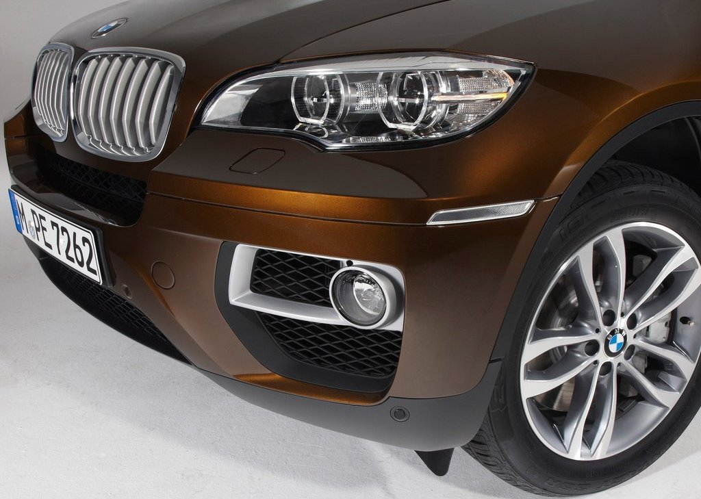2013 BMW X6 Bumper (Photo 3 of 10)