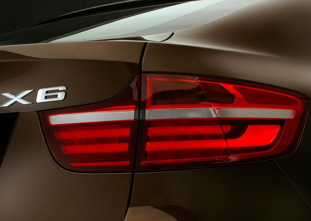 2013 BMW X6 Tail Lamps (Photo 9 of 10)