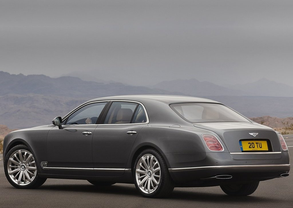 2013 Bentley Mulsanne Mulliner Rear Angle (Photo 9 of 10)