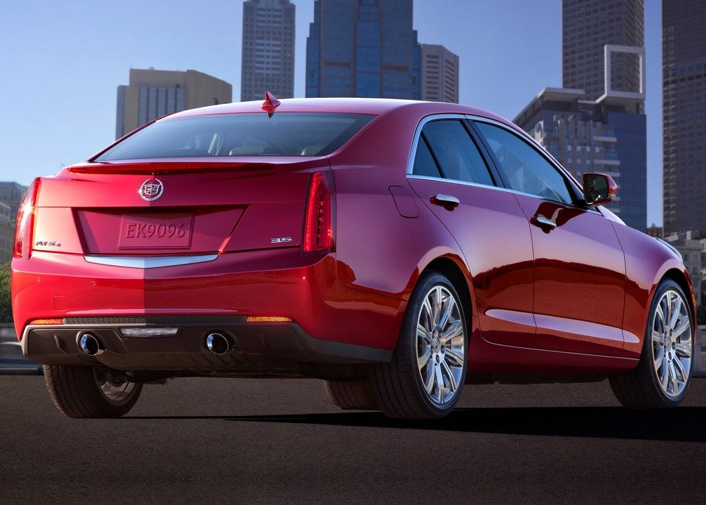 2013 Cadillac ATS Rear Angle (Photo 12 of 13)