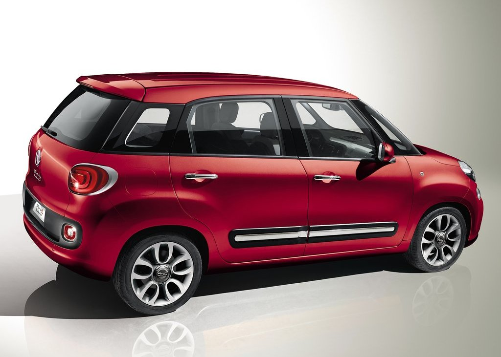 2013 Fiat 500L Side (View 1 of 2)