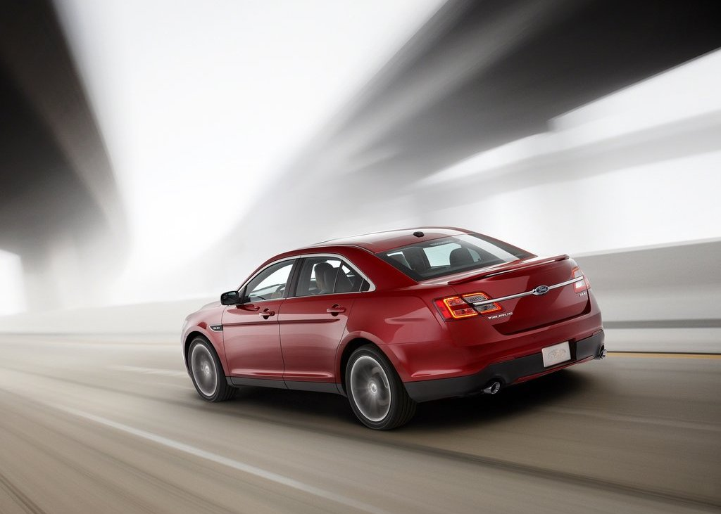 2013 Ford Taurus SHO Rear (View 11 of 17)