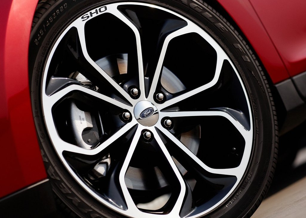2013 Ford Taurus SHO Wheel (Photo 17 of 17)