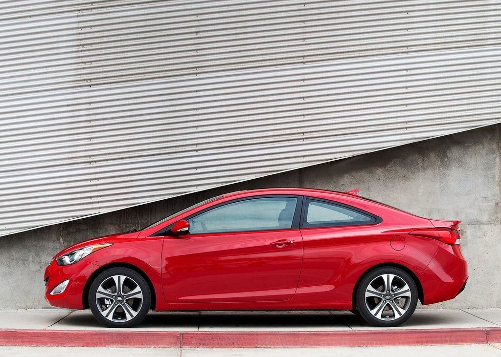 2013 Hyundai Elantra Coupe Side (View 8 of 10)