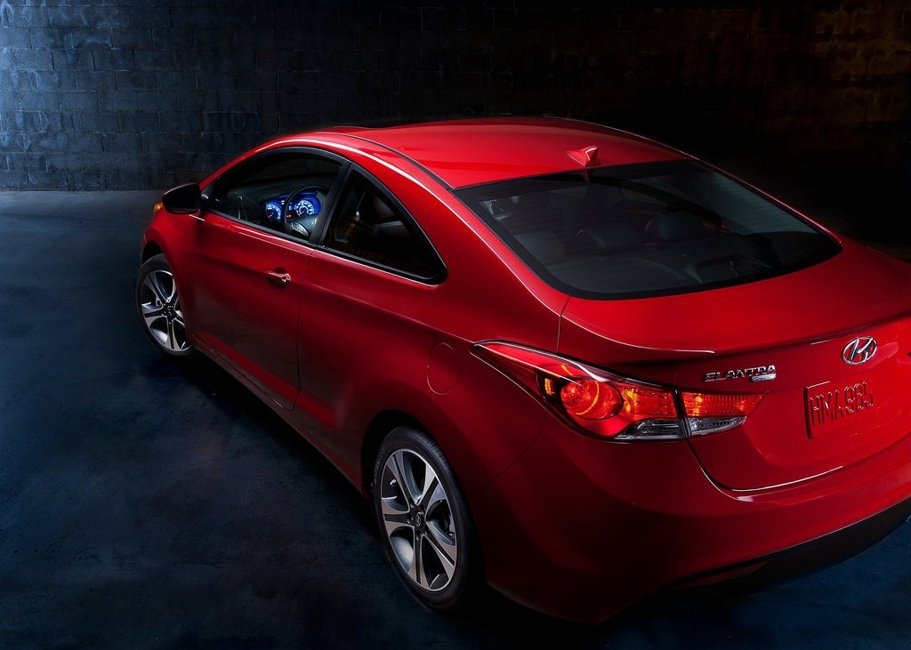 2013 Hyundai Elantra Coupe Tail Lamp (Photo 9 of 10)