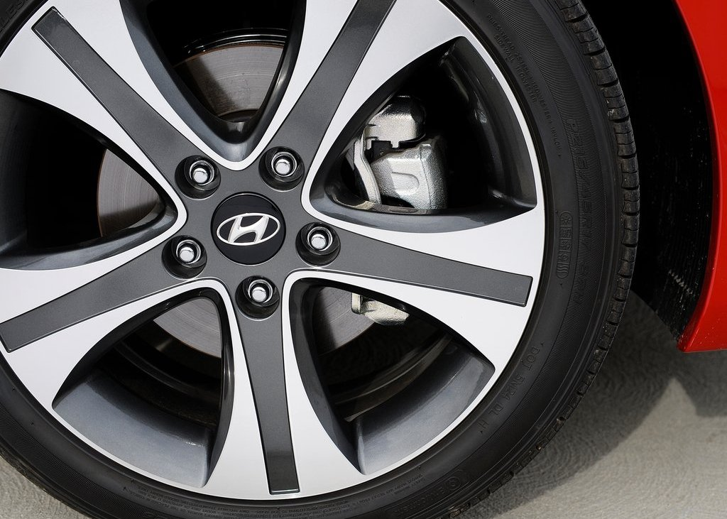 2013 Hyundai Elantra Coupe Wheels (Photo 10 of 10)